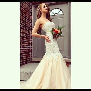 Ivory, detailed mermaid gown